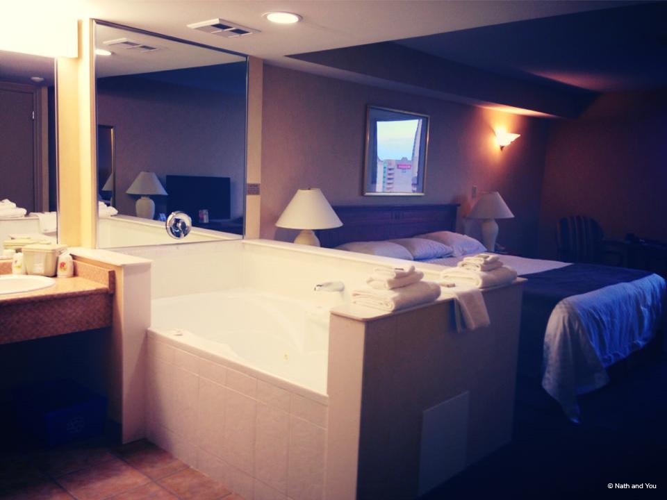 Hotel-super-8-chutes-niagara-nath-and-you-1