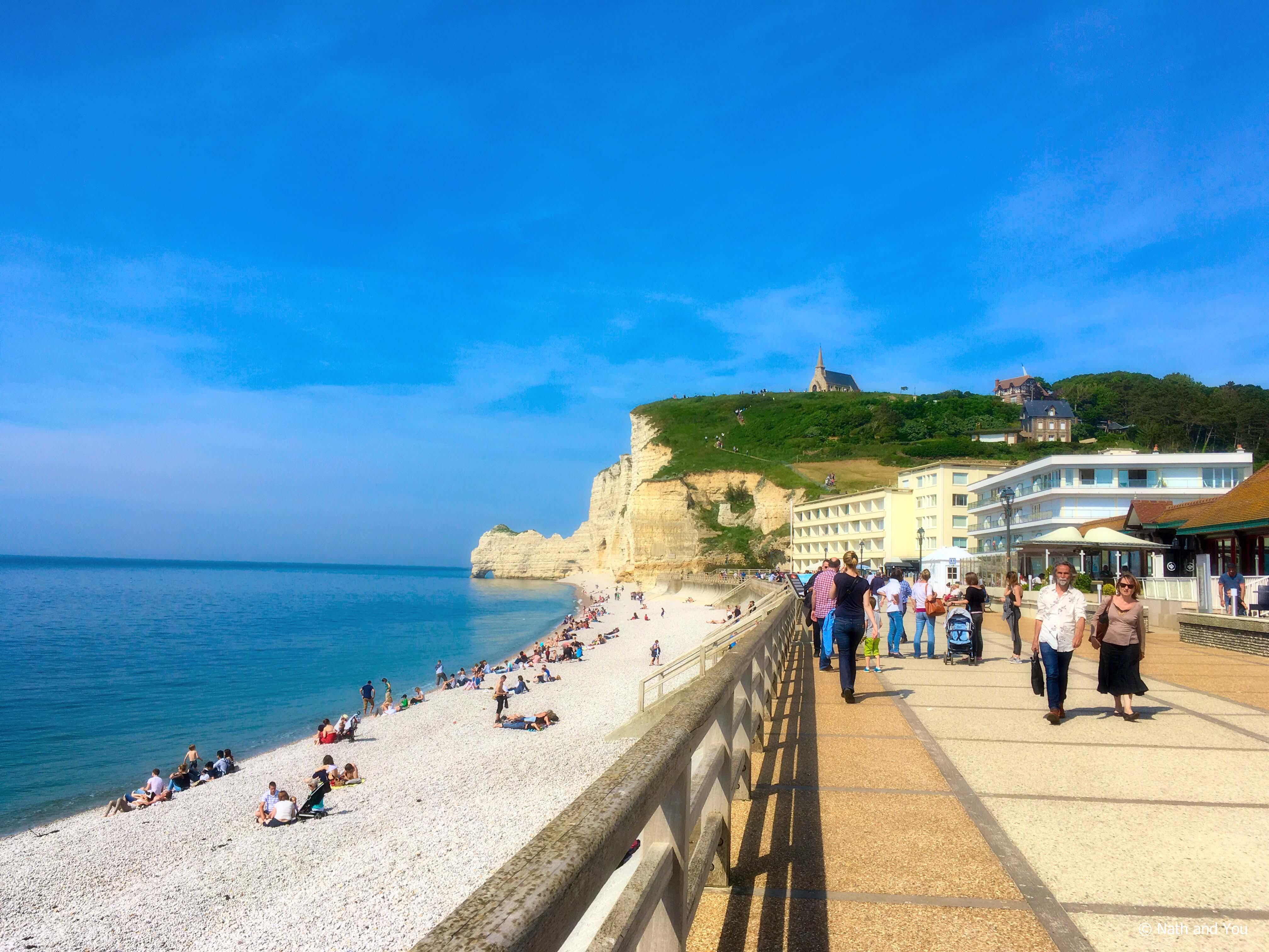 la-plage-falaises-etretat-nath-and-you