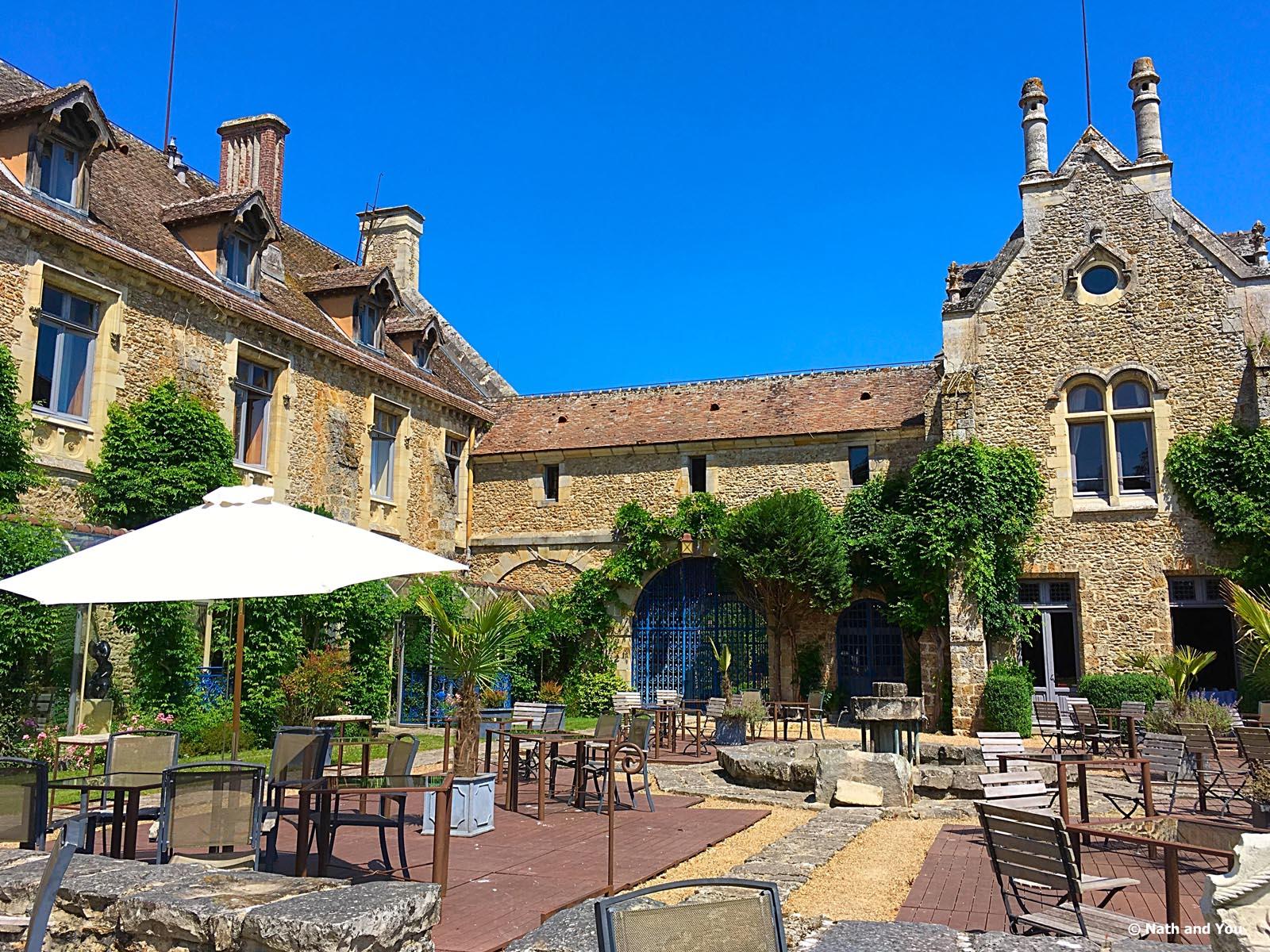 Abbaye des vaux de cernay brunch for Abbaye des vaux de cernay piscine